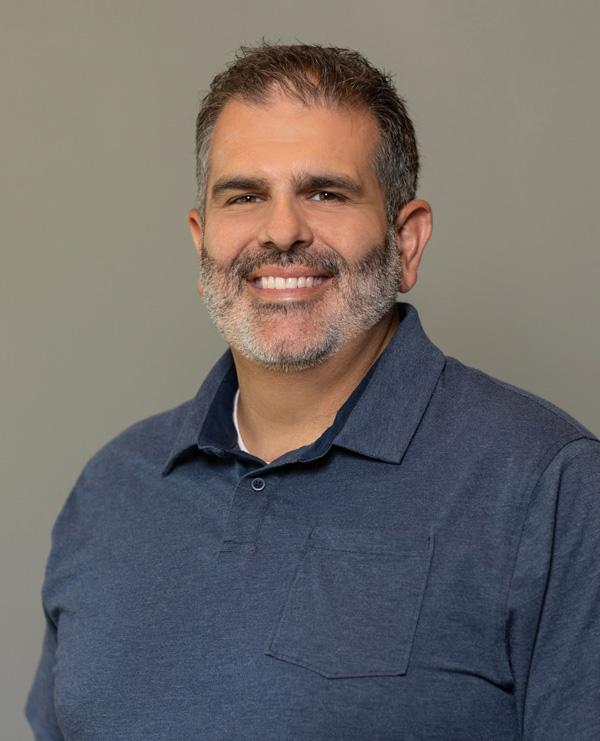 Aleva Stores Team Member Carl LoPiccolo